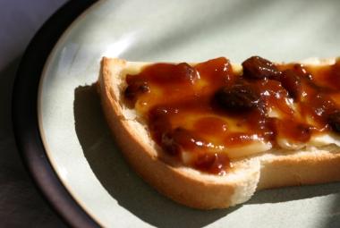 apricot chutney cheese on toast