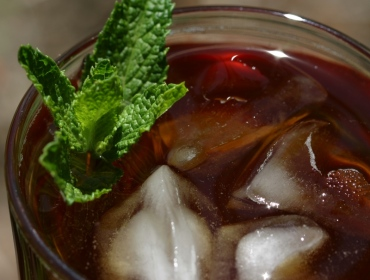 iced mint cardamom tea