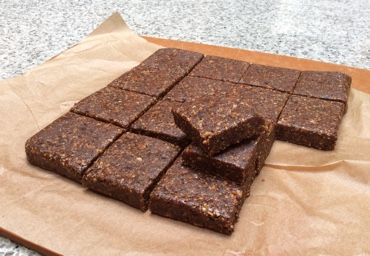 hazelnut date bars